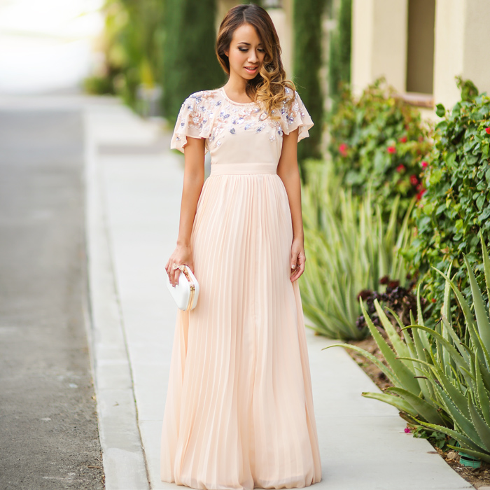 petite fashion blog, lace and locks, los angeles fashion blogger, sale, asos sale, petite clothing sale, blush maxi dress