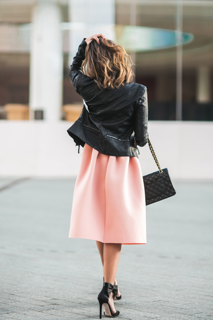 petite fashion blog, lace and locks, los angeles fashion blogger, pink dress and leather jacket, cropped leather jacket, bow heels, asos dress, chanel handbag, oc blogger